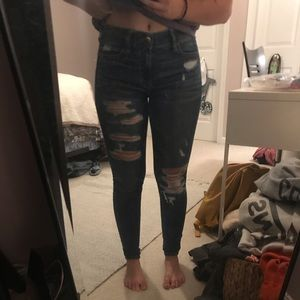 American Eagle ripped super stretch jeans